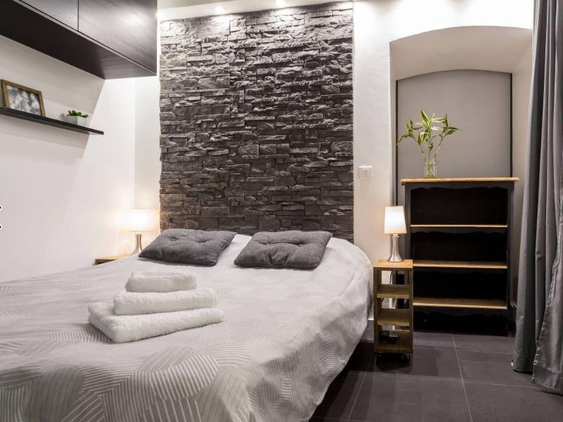 9 modi per usare la pietra a vista for Interni delle case piu belle