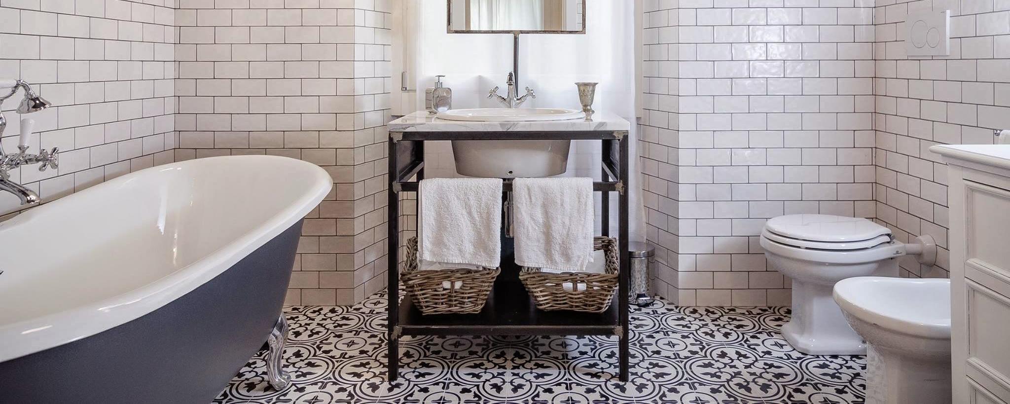 Ispirazioni e consigli per un bagno in stile vintage